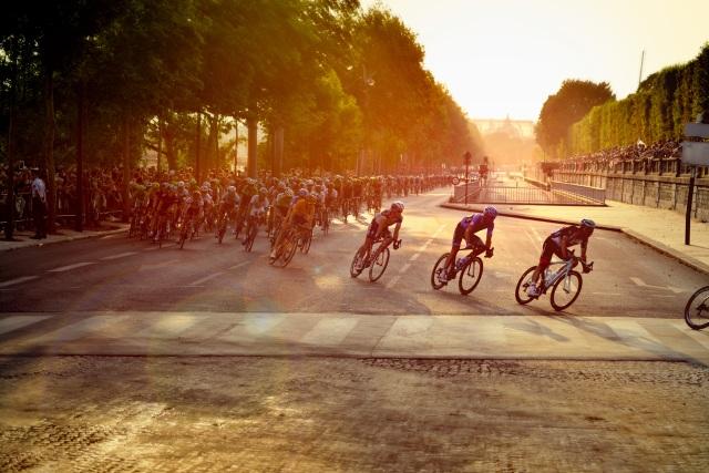 cyclists-601591